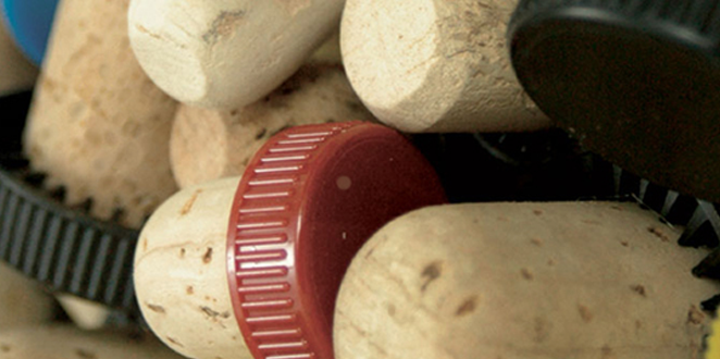Capsulated cork stoppers